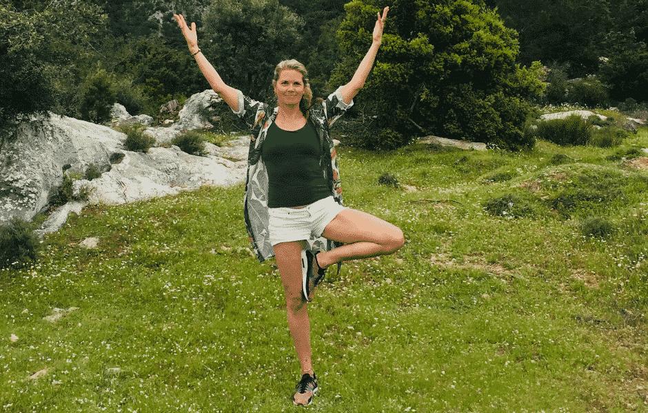 Buiten yoga met Sas